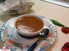 Kuskuslu Tarhana Çorbası nasıl yapılır? Birbirinden farklı ve lezzetli tarhana çorbası tarifleri için tıklayın.