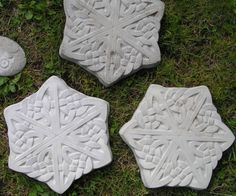 DIY  Stepping stones molds and  Containers.   Casting in hypertufa is fun and not at all difficult. Hypertufa is a mixture of Portland cement, sand and peat moss. If you want you can replace the sand with perlite, it makes the pots and trays a lot lighter as perlite weighs almost nothing. How To FOUND HERE:  http://monicascreativeroom.se/category/concreting/