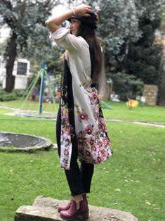 ideal para in outfit con mucho estilo. Kimono Top, Floral, Casual, Skirts, Outfits, Women, Fashion, Kimonos, Moda