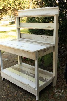 A quick post about a potting bench we built and donated. A quick post about a potting bench we built and donated. Outdoor Potting Bench, Pallet Potting Bench, Potting Tables, Pallet Work Bench, Rustic Potting Benches, Pallet Garden Benches, Wooden Benches, Outdoor Storage, Diy Garden