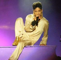 So self aware ■the music moves him■He IS MUSIC ■ PRINCE