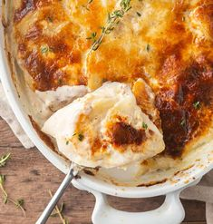 Perfect Southern Baked Macaroni and Cheese potato gratin Southern Mac And Cheese, Classic Mac And Cheese, Good Macaroni And Cheese Recipe, Easy Mac And Cheese, Baked Macaroni, Macaroni Recipes, Casserole Recipes, Cheese Ingredients, Oven Baked Chicken