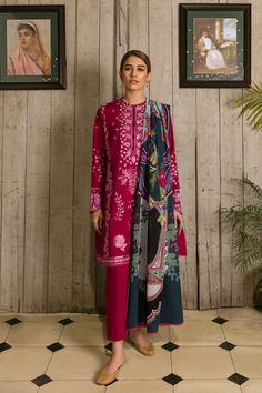 Cream Trousers, Pakistani Lawn Suits, Desi Clothes, Spring Looks, Cut And Style, Designer Collection, Indian Fashion, Designer Dresses, Kimono Top