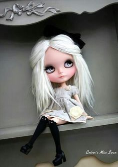 Image in Blythe doll❤ collection by KANON on We Heart It Ooak Dolls, Blythe Dolls, Girl Dolls, Gothic Dolls, Valley Of The Dolls, Dolls For Sale, Creepy Dolls, Little Doll, Doll Repaint