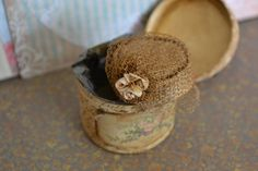 Miniature hat box and hat by DEMENTEAMANO on Etsy