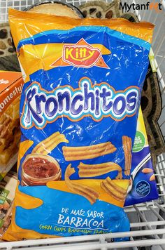 Kronchitos chips Barbacoa, Costa Rican Food, Snack Recipes, Snacks, Corn Chips, Costa Rica Travel, Granola, Food And Drink, Travel Guide