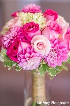 Flowers Wedding Bouquet Pink Bridesmaid Ideas For 2019 Hydrangea Bouquet Wedding, Bridal Bouquet Pink, Bride Bouquets, Pink Hydrangea, Gold Bouquet, Pink Roses, Dahlia Bouquet, Bridesmaid Bouquets, Brooch Bouquets