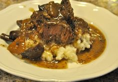 This crock pot beef roast recipe combines great flavors of red wine, mushrooms and onions. Super tender and juicy beef roast when you get home. Slow Cooked Beef, Crock Pot Slow Cooker, Crock Pot Cooking, Slow Cooker Recipes, Crockpot Recipes, Cooking Recipes, Delicious Recipes, Diet Recipes, Yummy Food