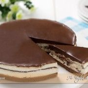 Torta fredda Kinder Pinguì Dessert Drinks, Fun Desserts, Delicious Desserts, Yummy Food, Sweet Recipes, Cake Recipes, Dessert Recipes, Love Eat, Love Food