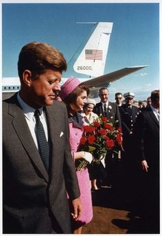 November 22, 1963: Pres. John F. Kennedy and Jackie arrive at Love Field airport in Dallas, Texas. He would be assassinated that afternoon. #JFK #JFK50
