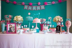 Festa azul Tiffany e rosa   Macetes de Mãe Lets Celebrate, Reveal Parties, Birthday Cake, Party, Pink, Birthday Party Ideas, Ideas Party, Tiffany Blue Party