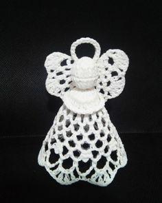 Lembrancinhas de Crochê: 26 Ideias com Passo a Passo | Revista Artesanato Crochet Toys, Macrame, Origami, Crochet Earrings, Projects To Try, Crochet Patterns, Baby Shower, Christmas Ornaments, Holiday Decor