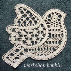 Hairpin Lace Crochet, Crochet Motif, Crochet Shawl, Crochet Flowers, Bobbin Lace Patterns, Bead Loom Patterns, Lace Earrings, Crochet Earrings, Bobbin Lacemaking