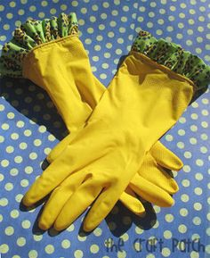 Ruffled Rubber Gloves