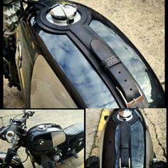 Bmw series 24 lt leather tank belt Cafe Racer e Scrambler. Motorcycle Tank, Motorcycle Leather, Motorcycle Racers, Cafe Racer, Vintage Stil, Style Vintage, Scrambler, Royal Enfield, Bike Leathers
