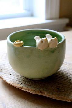 Untitled by tashamck Hand Built Pottery, Slab Pottery, Pottery Bowls, Ceramic Pottery, Ceramic Pinch Pots, Ceramic Bowls, Ceramic Art, Porcelain Ceramic, Ceramic Mugs