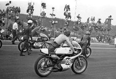#106 Bill Ivy Yamaha won the 250cc race at the Sachsenring by just 0.1 sec. from Phil Read - 1968