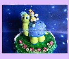 Decoración de Torta Tortuga con Abejita bebé.