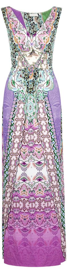 Boho Hippie Wedding Dress - READ about the differences between boho and hippie fashion at http://boomerinas.com/2013/04/are-hippie-wedding-dresses-the-same-as-bohemian-wedding-dresses/