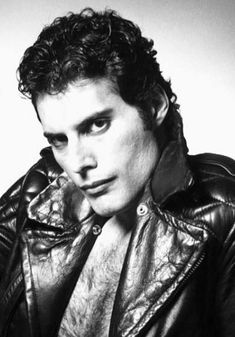 Lover of Life and Singer of Songs . Mr Fahrenheit, Roger Taylor, Somebody To Love, Queen Freddie Mercury, Queen Band, John Deacon, Killer Queen, Save The Queen, Rock Legends