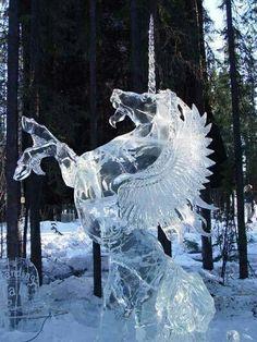 Unicorn ice sculpture Sculpture licorne/pegase