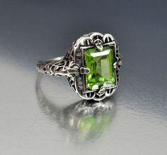 Vintage Sterling Silver Filigree Peridot Ring