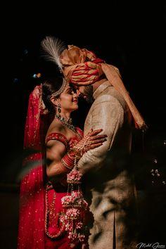 Wedding Indian Sangeet Bride Groom Ideas For 2019 wedding couple Indian Wedding Poses, Indian Wedding Pictures, Indian Wedding Couple Photography, Indian Bride And Groom, Bridal Photography, Indoor Photography, Indian Bridal, Photography Couples, Punjabi Wedding