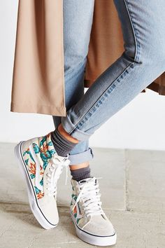 Trendy Sneakers 2018 Sneakers femme - Vans Tropical - Go to Source - Outfits Con Vans, 30 Outfits, Cute Outfits, Ladies Outfits, Vintage Sneakers, Floral Vans, Floral Sneakers, Shoes Sneakers, Sneakers Style