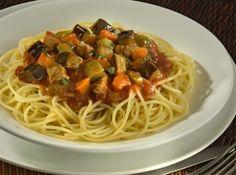 Espaguete ao Molho de Berinjela com Carne