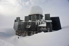 """fiorenn: """"The abandoned radar station of the Distant Early Warning Line in Greenland """" Alex Rider, Evil Villains, Places Around The World, Abandoned, Architecture, Twitter, Otaku, Cold War, Janus"""