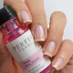 Master your manicure with Pink Gel Coat - a protein rich coating that instantly brightens and strengthens nails.