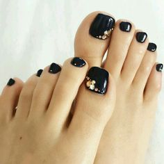 New Gel Pedicure Black Nail Art Designs Ideas Black Toe Nails, Pretty Toe Nails, Cute Toe Nails, Love Nails, Pedicure Nail Art, Pedicure Designs, Black Pedicure, Toe Nail Color, Toe Nail Art
