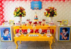 Snow White themed birthday party with lots of CUTE IDEAS via Kara's Party Ideas! full of decorating ideas, dessert, cake, cupcakes, favors a. Snow White Birthday, Disney Princess Party, Disney Theme, 4th Birthday Parties, Summer Birthday, Balloons, Party Ideas, Apple Cake, Dessert Table