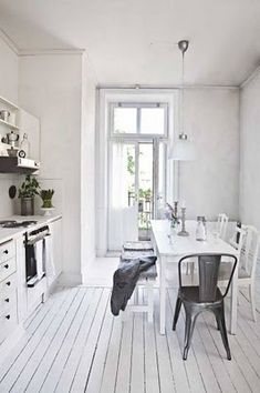 Vintage chic: Hvitt og rustikt/ white and rustic