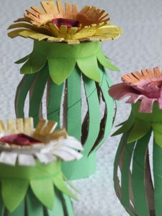 Tutorial: Toilet Paper Roll Egg Carton Flowers