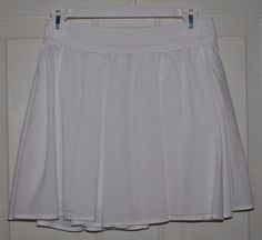 Frenchi by Nordstrom WOMEN'S PLEATED WHITE SKIRT W/ ELASTIC WAIST BACK Sz. Small #Nordstrom #Pleated