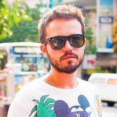 Felipe Nuno, Designer proprietário da NOONO, empresa voltada para cenografia de eventos, design gráfico e curadoria - nas áreas de moda, beleza, cultura, arte e entretenimento.