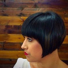short vintage bob hairstyle with bangs