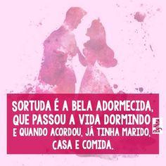 Boa noite pessoas, com humor! #autordesconhecido #frases #sono #preguiça #amor #humor #maissensodehumor #porfavor #obrigada #mulheres #instabynina #contosdefadas