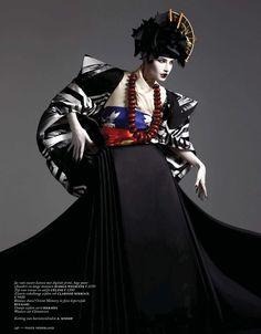 Ishi Studios – Vogue Nederland, March 2013 – Eugenia Volodina – Editorial Fashion Photography – Japanese Geisha - New Site Foto Fashion, Kimono Fashion, Fashion Art, Fashion Design, Vogue Fashion, Moda Kimono, Ethno Style, High Fashion Photography, Japanese Geisha