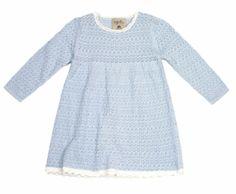 Strikkede klær blir ofte veldig fint. Strukturen i strikket gir en fin effekt i bildet.