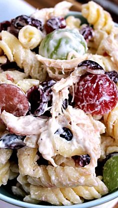 Cashew Chicken Rotini Salad Recipe ~ Loaded with Cashews, Grapes, Chicken, Pasta and Dried Cranberries! (Chicken Marinade For Pasta) Rotini Salad Recipe, Pasta Salad Recipes, Cashew Chicken, Chicken Pasta, Chicken Salads, Taco Salads, Italian Chicken, Salad Bar, Soup And Salad