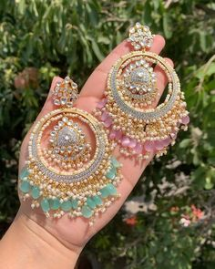 Pakistani Bridal Jewelry, Indian Bridal Jewelry Sets, Indian Jewelry Earrings, Jewelry Design Earrings, Bridal Jewellery, Fashion Earrings, Antique Jewellery Designs, Fancy Jewellery, Stylish Jewelry