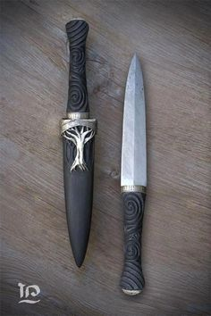 How To Care For Your Survival Knife – Metal Welding Pretty Knives, Cool Knives, Swords And Daggers, Knives And Swords, Armas Ninja, Metal Welding, Welding Art, Knife Sharpening, Fantasy Weapons