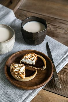 S'mores Tart - might try this is graham flour instead of all purpose flour for the crust.