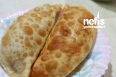 Çiğ Börek They must be fried but it is nice to know how they are made. Easy Delicious Recipes, Yummy Food, Ramadan Desserts, Meat Recipes, Cooking Recipes, Pasta Recipes, Turkish Recipes, Ethnic Recipes, Turkish Breakfast