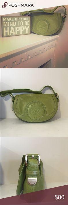 Michael Kors bag! Unique olive green color leather bag on great condition! A sure statement piece 💚 KORS Michael Kors Bags Shoulder Bags