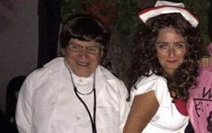 obispo de Saltillo disfrazado de doctor en fiesta.