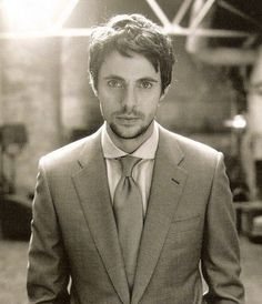 Matthew Goode. He kind of looks like Jim Parsons. Except more attractive.