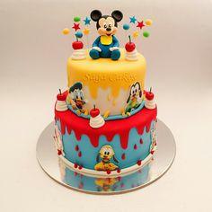 Baby Mickey Cake, Boys First Birthday Cake, Bolo Mickey, Mickey 1st Birthdays, Mickey Mouse Birthday Cake, Fiesta Mickey Mouse, Mickey Cakes, Baby Birthday Cakes, Baby Boy Cakes